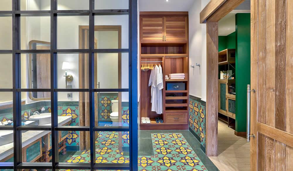 Meeru Island Resort & Spa, bathroom