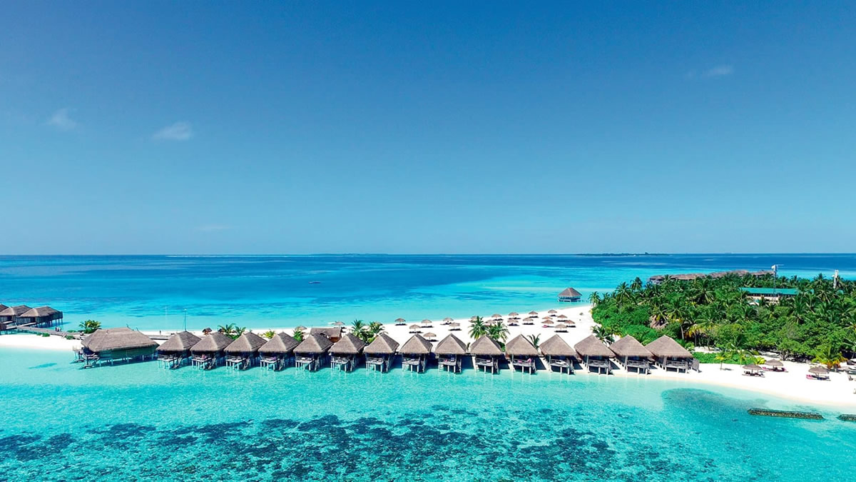 Experience world-class service at Constance Moofushi Maldives - All Inclusive