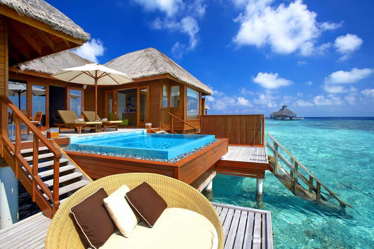 huvafen fushi maldives water bungalow with pool