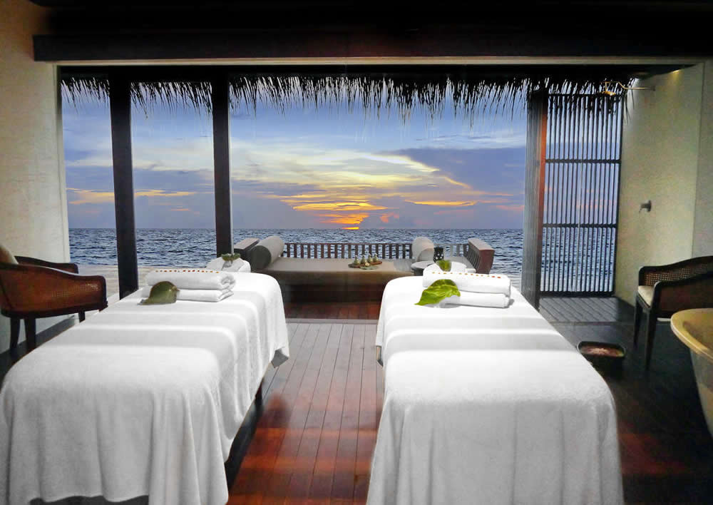 The Residence Maldives, the overwater spa