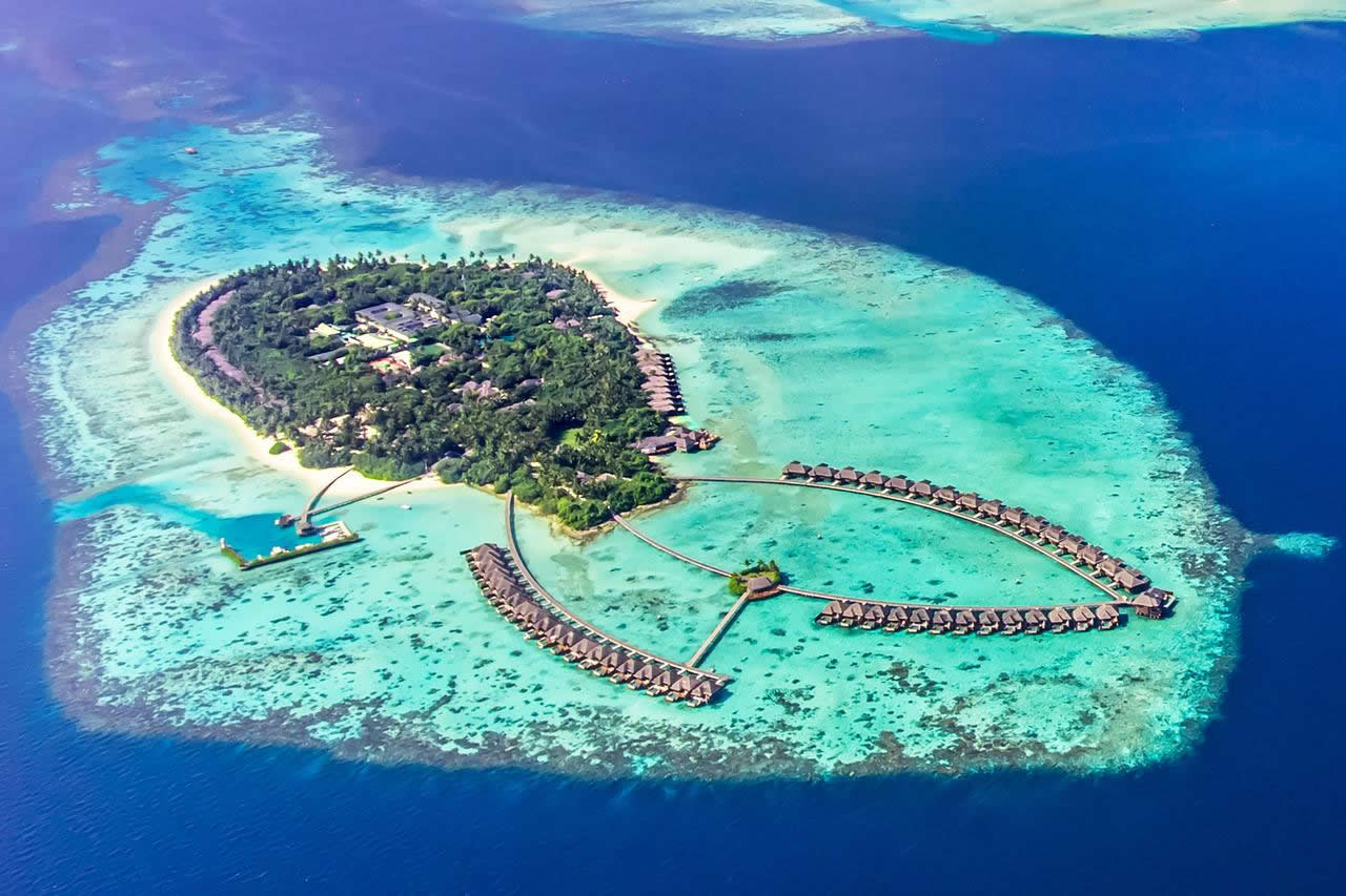 Experience World-class Service at Ayada Maldives