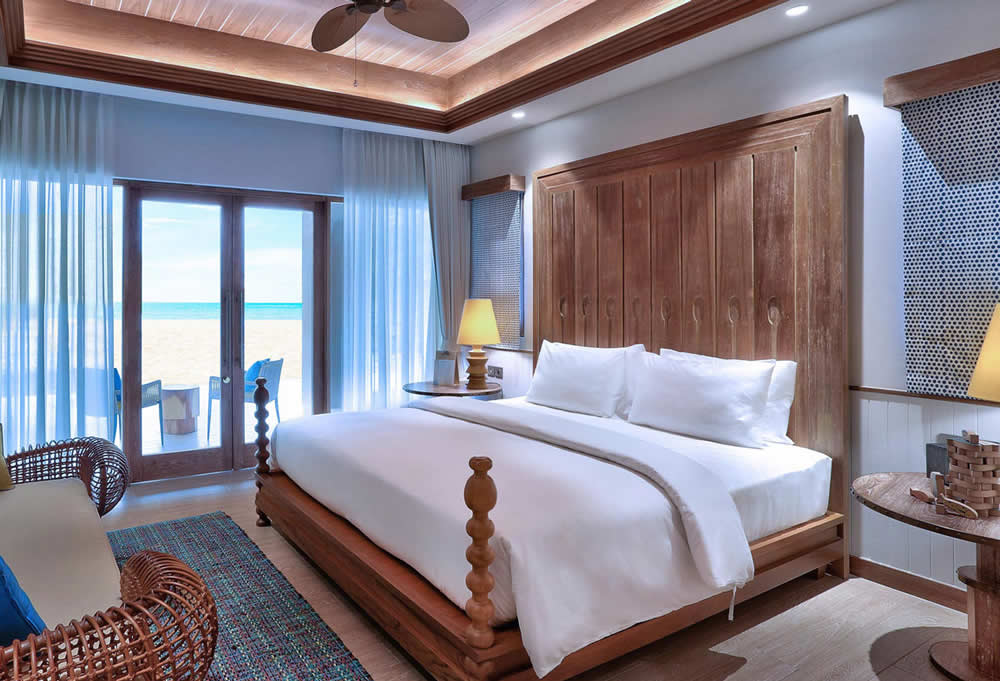 Meeru Island Resort & Spa, bed room interior