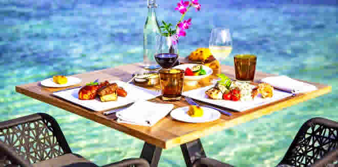 Breakfasts  with sea view