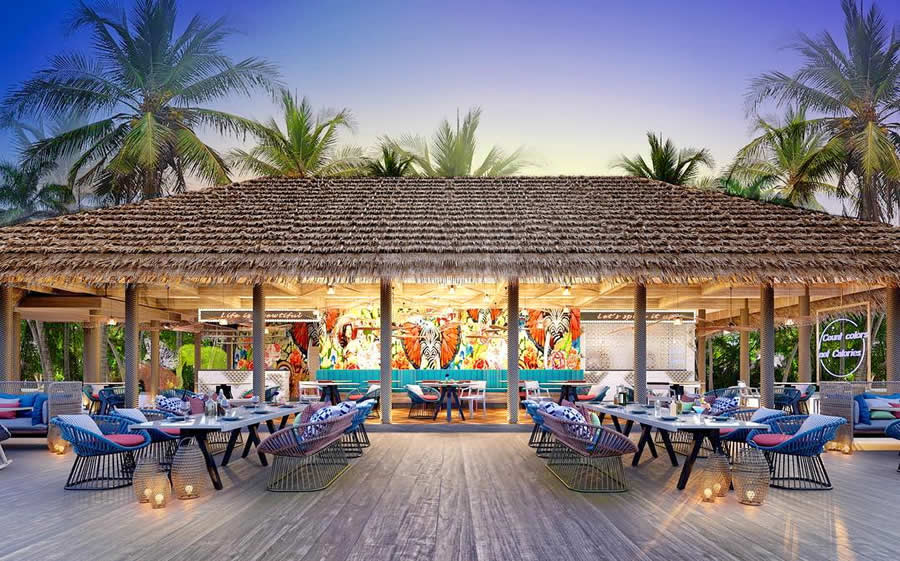 fine dining at SAii Lagoon Maldives, Curio Collection by Hilton