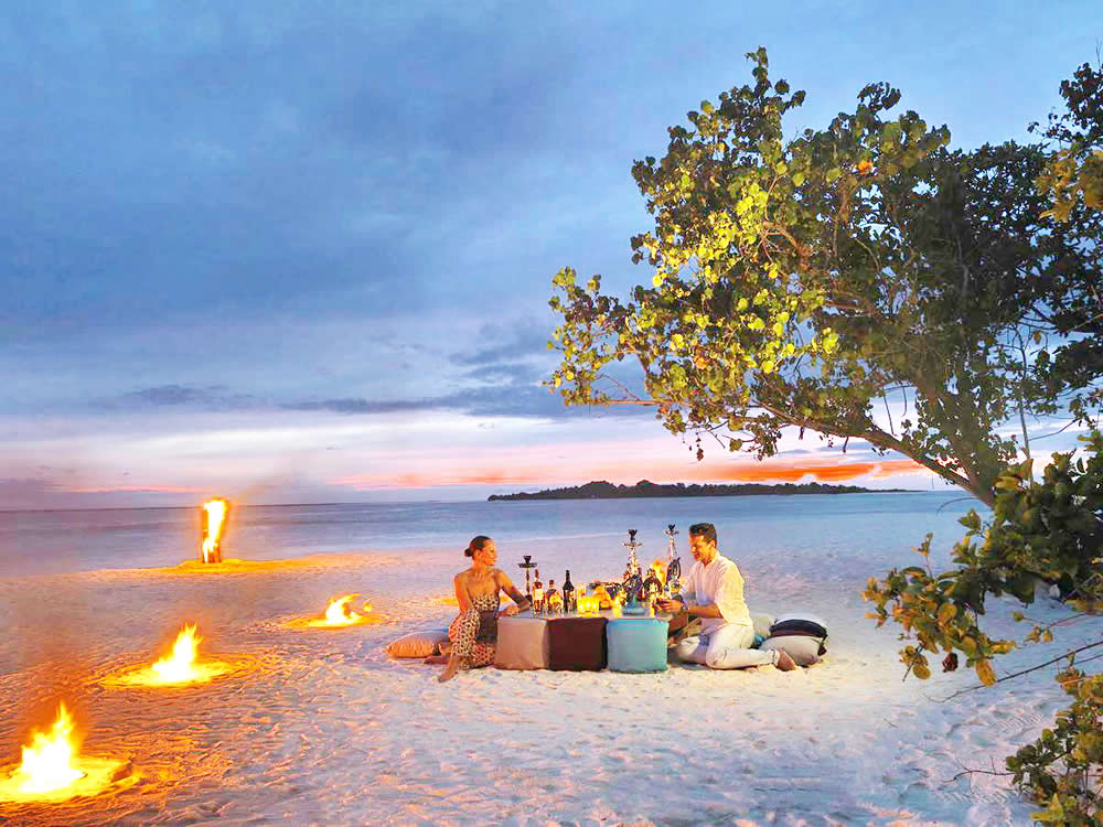 романтический ужин на пляже для двоих