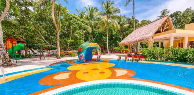Top Rated Kids Clubs in Maldives - best children clubs to stay with kids