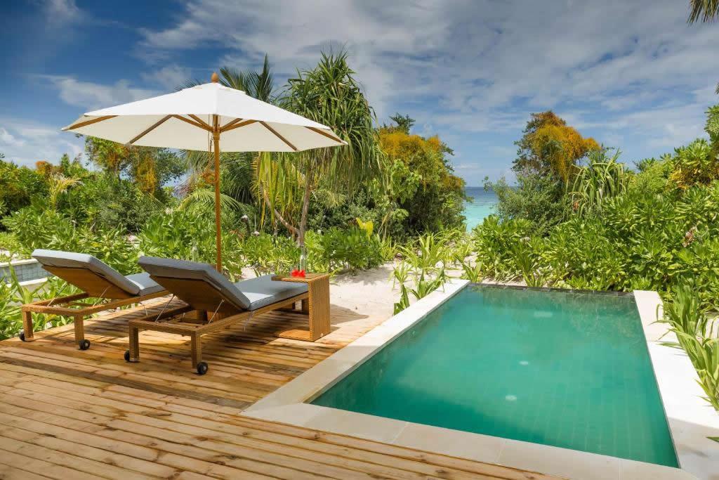 Kudafushi Resort - overwater accommodation