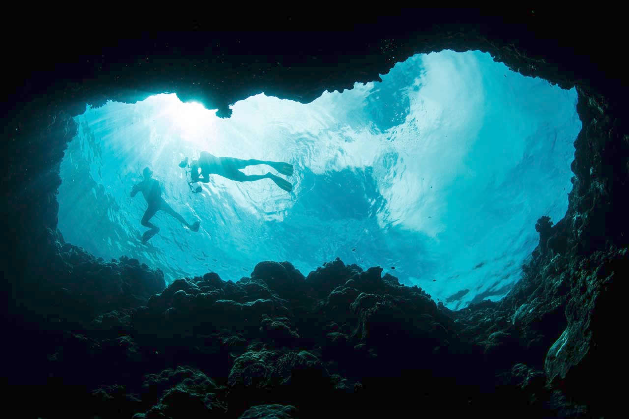 дайвинг в пещерах на мальдивах