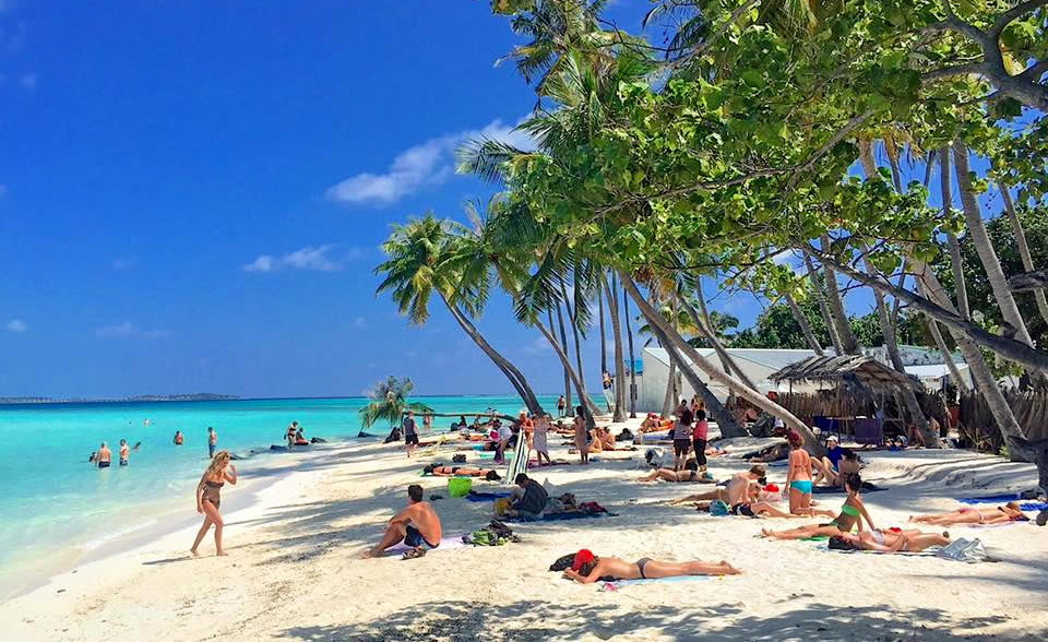 On Maafushi Budget Maldives A Maafushi WQrEodBxeC