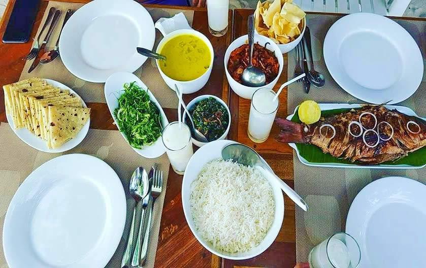 питание и рестораны на острове маалхос , мальдивы, баа атолл