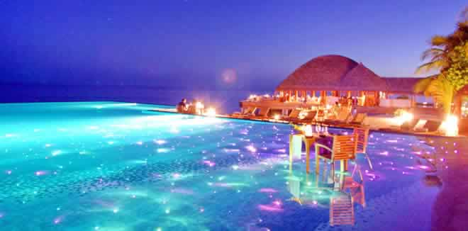 10 Romantic Resorts in Maldives