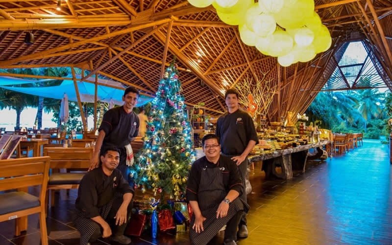 Mövenpick Resort Kuredhivaru Announces Glittery Festivities in The Maldives