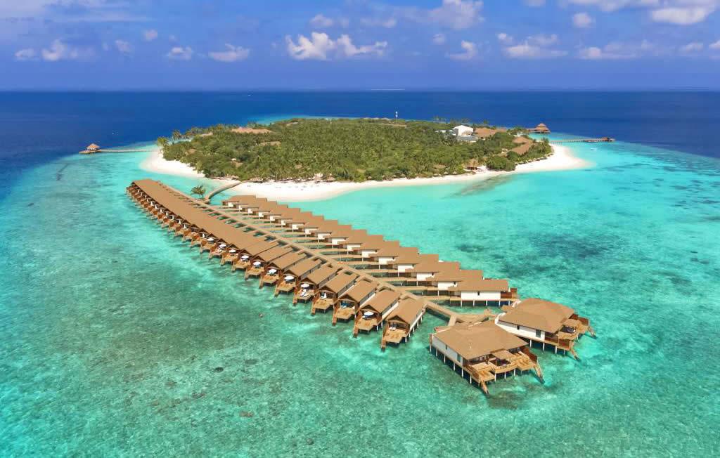 5 ресторанов на территории - Удобства и услуги курортного отеля —Reethi Faru Resort