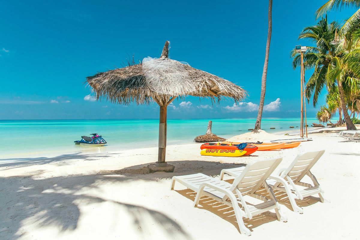 Athiri Beach Maldives, Dhigurah