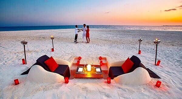 10 Romantic Dining Experiences in Maldives, Maldives Most Spectacular Dining Experience