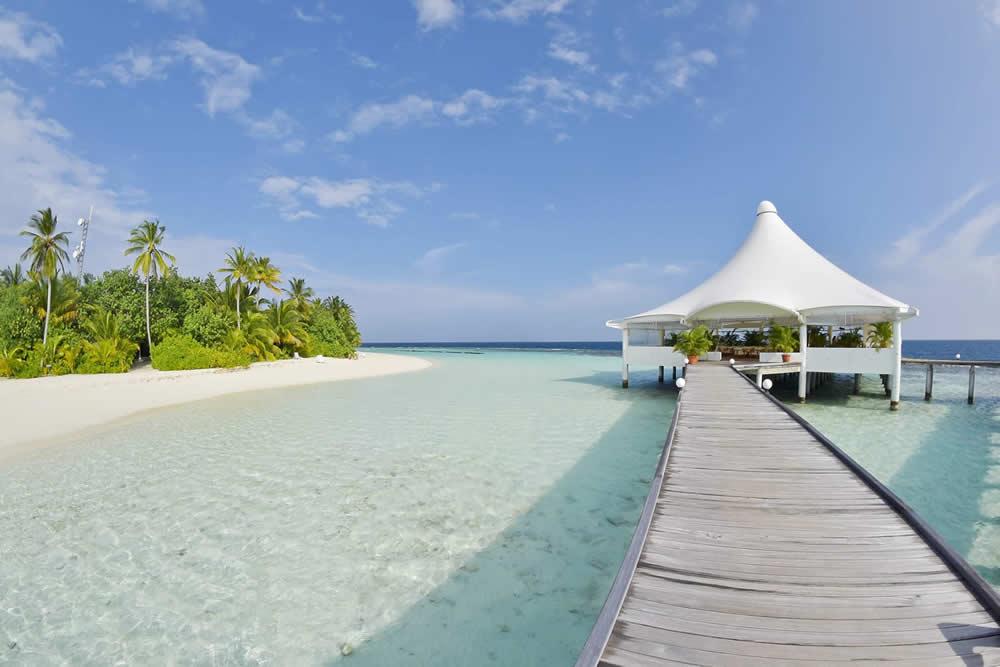 Safari Island, overwater restaurant
