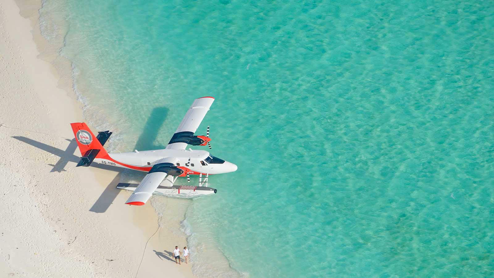 Hideaway Beach Resort & Spa Запускает Трансфер на Гидросамолете