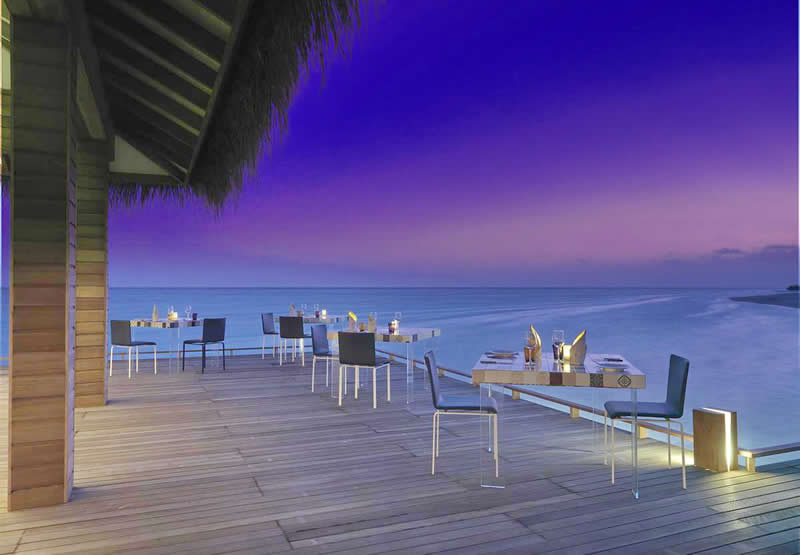 the manta overwater fine dining