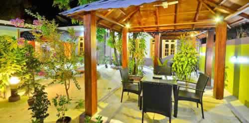 Top 10 Best Ukulhas Hotels