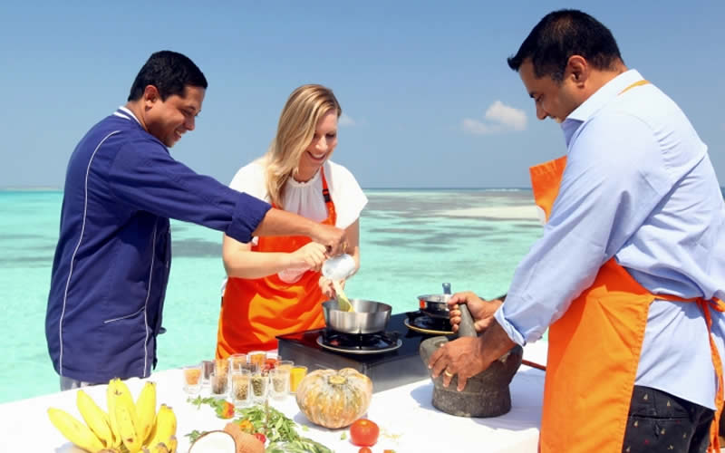 Mirihi Island Resort Offers Maldivian Vegan Cooking Class