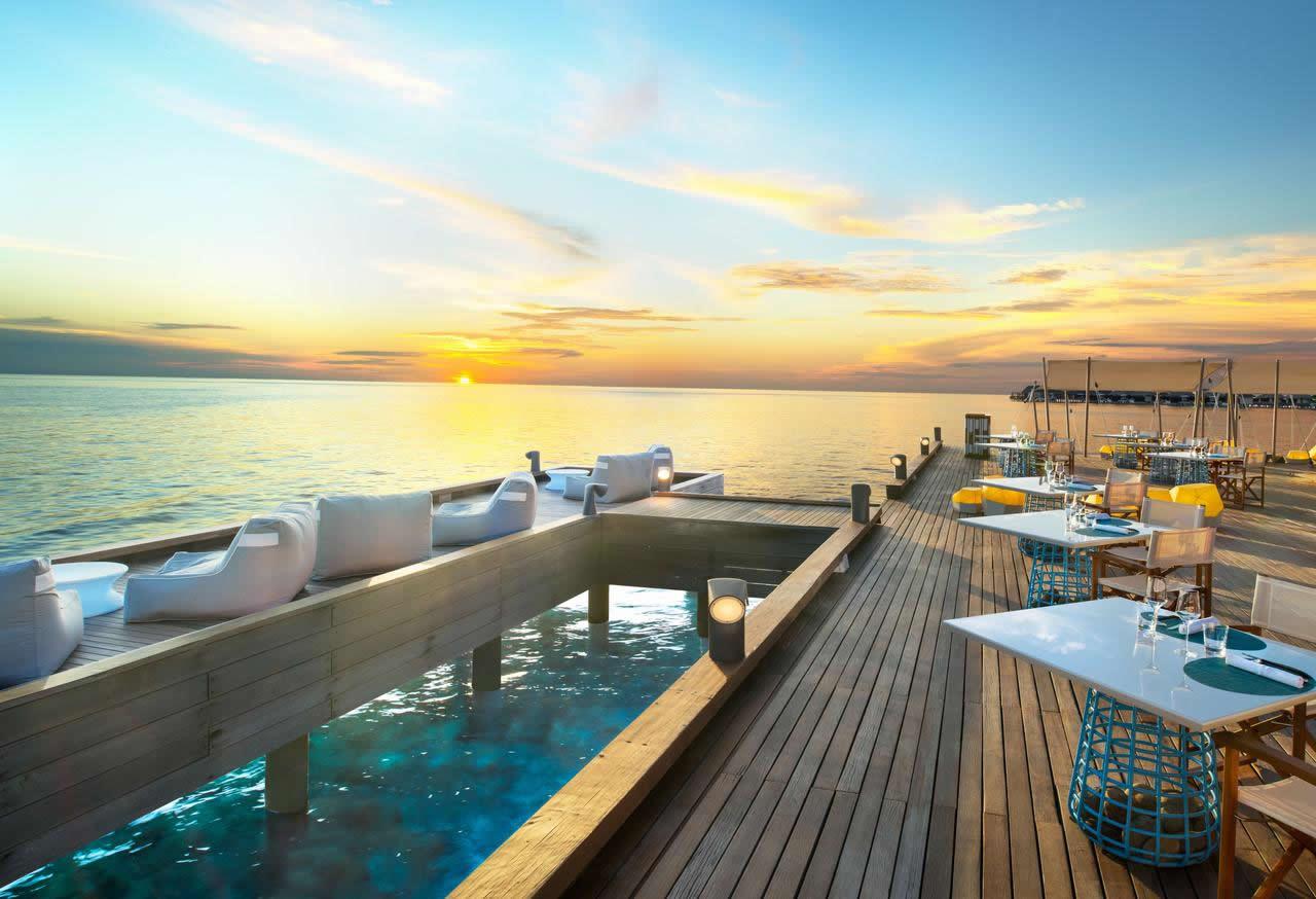 w maldives overwater restaurant
