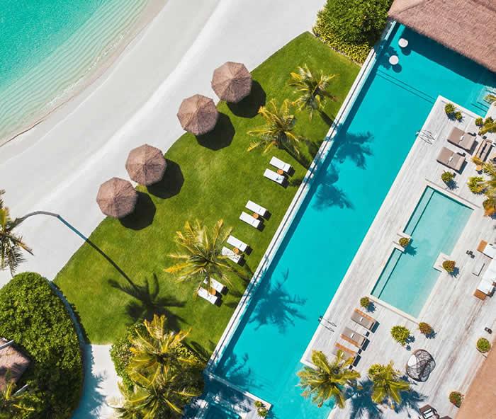 пляжная вилла с бассейном