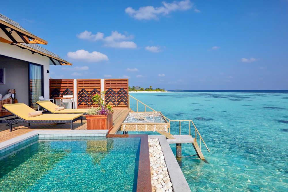 Водная вилла с бассейном  в Amari Havodda Maldives