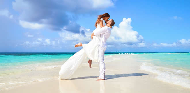 MALDIVES DEFENDS BRIDES HONEYMOON AWARD, NAMED AMONGST WORLD'S MOST ROMANTIC DESTINATIONS